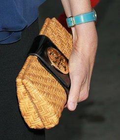 Sigourney Weavers Bast-Clutch