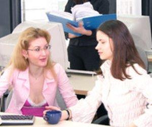 Richtig Verhalten im Job: Ein kleiner Büro-Knigge
