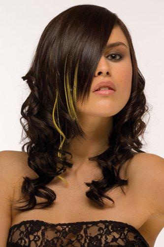 Eingedrehte lange Haare mit bunten Strähnchen