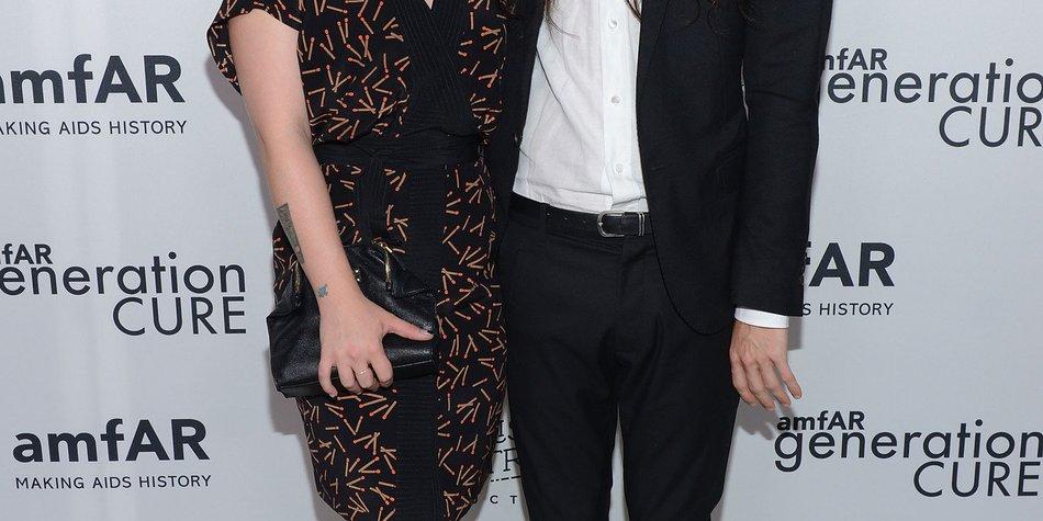 Kelly Osbourne hat sich verlobt