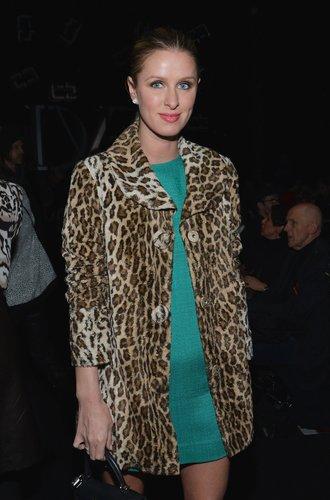 Nicky Hilton im Leo-Mantel