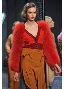 Seitlicher Dutt: Trendfrisuren bei Sonia Rykiel auf der Fashion Week Paris