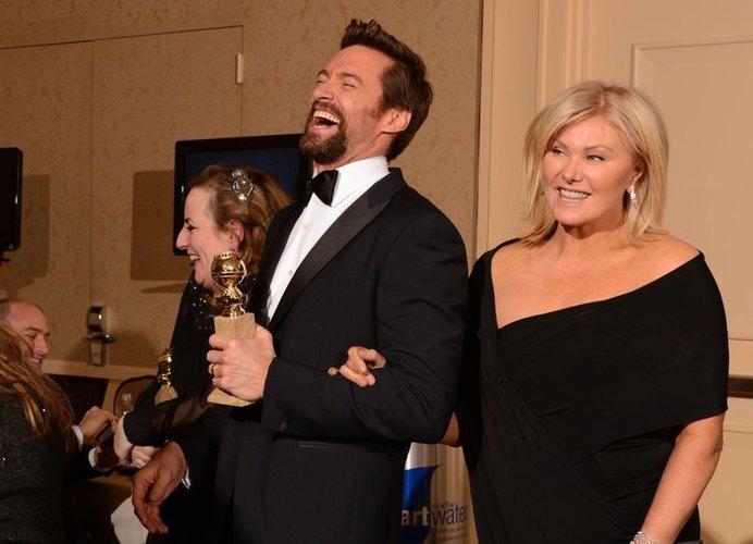 Hugh Jackman und seine Frau Deborra-Lee Furness freuen sich über Hughs Golden Globe.