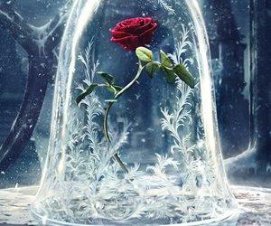Becher im Rosendesign