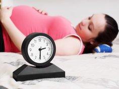Zu Ende der Schwangerschaft kannst Du die Geburt Deines Babys kaum noch erwarten.
