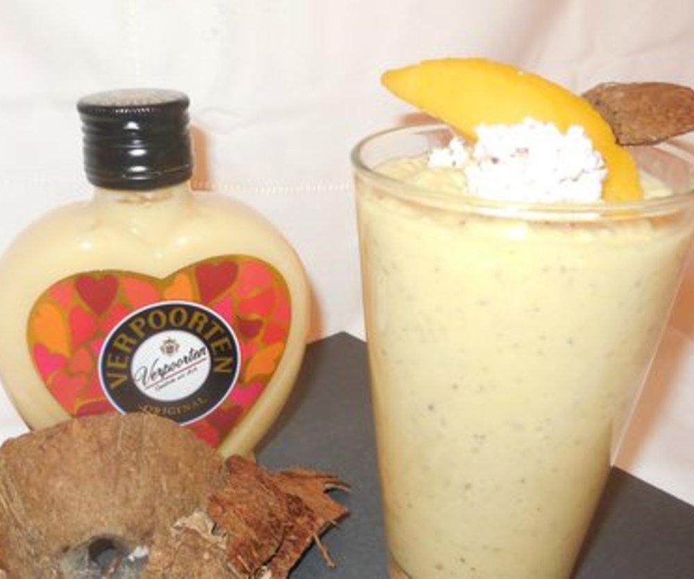 Cocos-Mango-Eierlikör-Smoothie