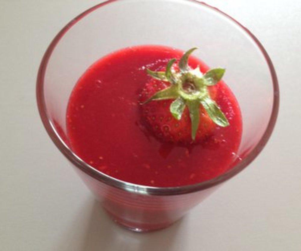 Erdbeer Smoothie mit Schuss