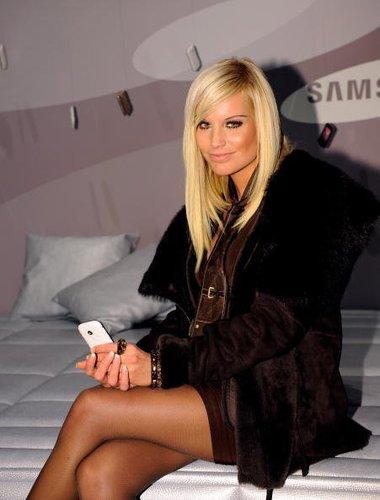 Gina Lisa Lohfink ganz chic in Schwarz bei einer Fashion Show