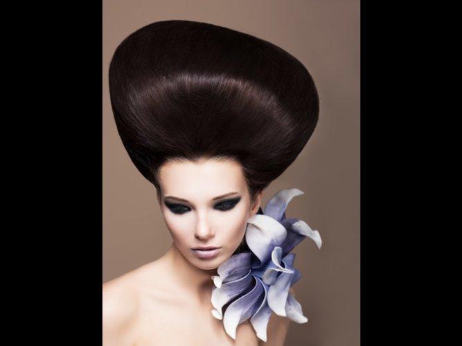 Die Maske für das Verleihen dem Haar der Glanz und schelkowistost