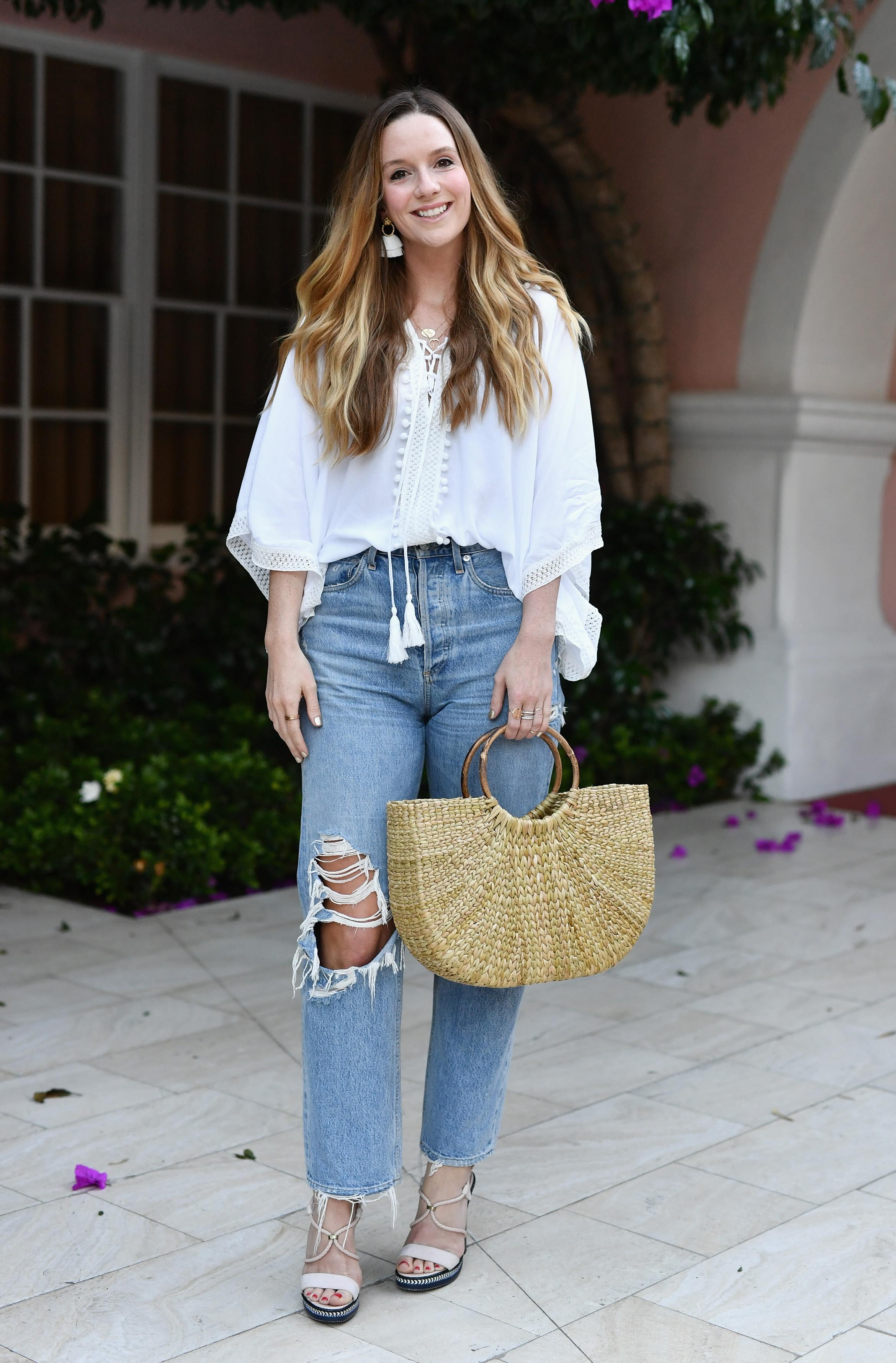 Korbtasche kombiniert mit Jeans