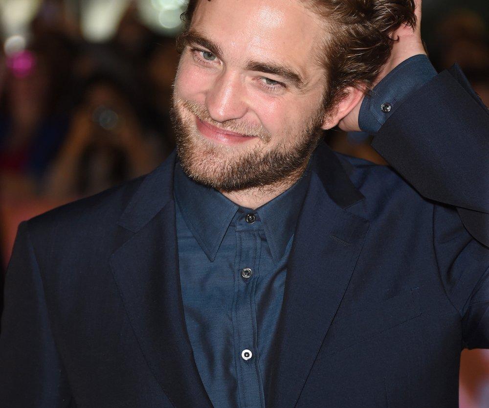 Robert Pattinson: Verführt ihn seine Freundin zum Alkohol?