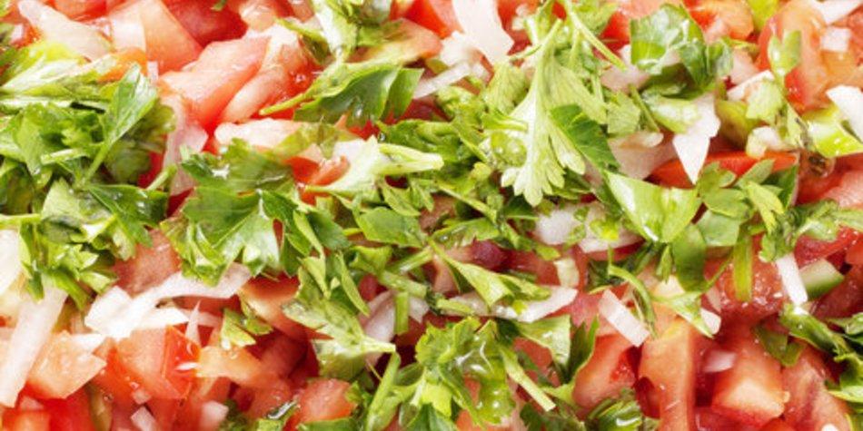 Tomatensalat mit frischem Koriander