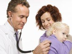 Nicht alle Eltern wollen ihr Kind impfen lassen.
