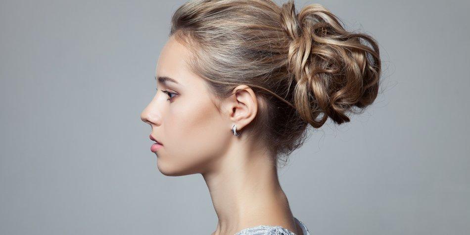 Haare mit Piercings