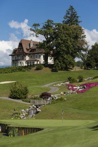Außenansicht Evian Resort in Frankreich