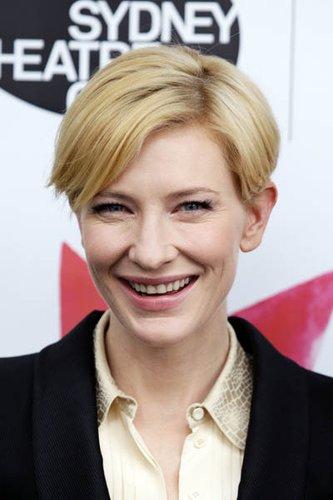 Cate Blanchett mit kurzen Haaren