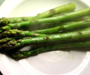 Grüner Spargel kochen