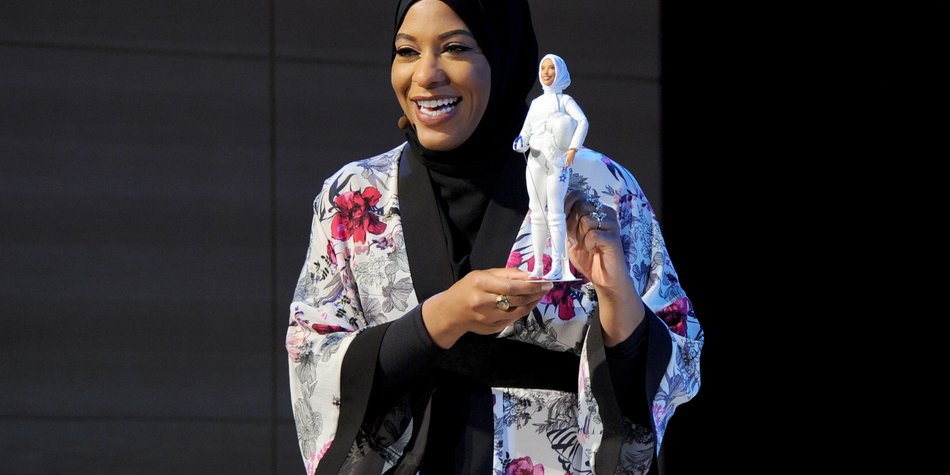 NEW YORK, NY - NOVEMBER 13: U.S. Olympic Medalist Ibtihaj Muhammad speaks onstage a new Barbie doll in her image during Glamour Celebrates 2017 Women Of The Year Live Summit at Brooklyn Museum on November 13, 2017 in New York City. (Photo by Craig Barritt/Getty Images for Glamour)