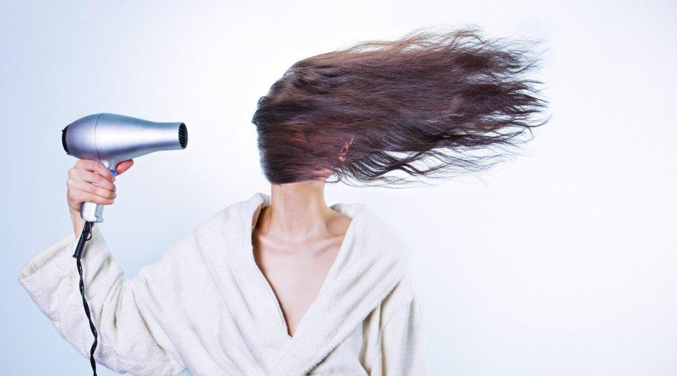 Haare richtig föhnen