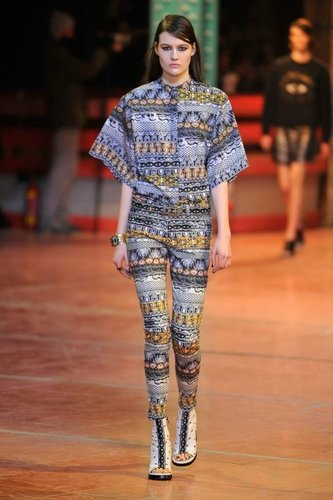 Outfit von Kenzo bei der Paris Fashion Fashion Week 2013