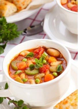 Minestrone ist eine italienische Gemüsesuppe
