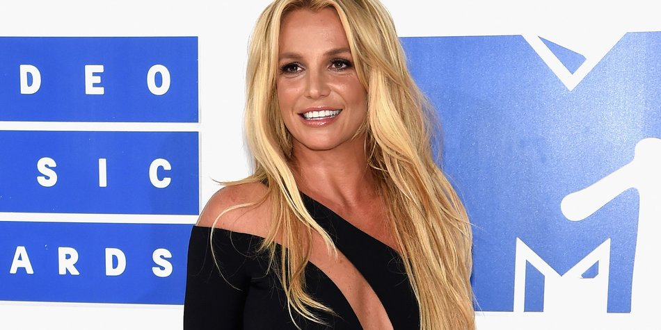 Britney-Spears_Jamie-McCarthy_GettyImages-597561960