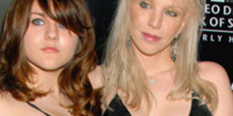 Courtney Loves Tochter Frances Cobain startet durch