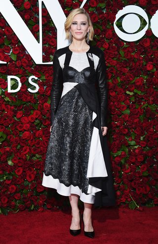 NEW YORK, NY - JUNE 12: Actress Cate Blanchett attends the 70th Annual Tony Awards at The Beacon Theatre on June 12, 2016 in New York City. (Photo by Dimitrios Kambouris/Getty Images for Tony Awards Productions)