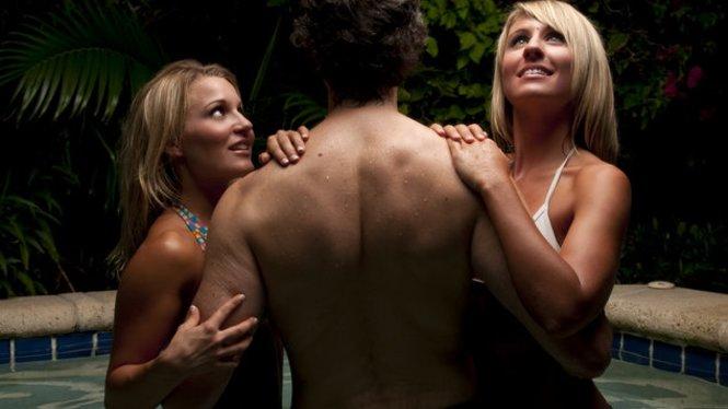 Flotter Dreier: Ein spannendes erotisches Abenteuer
