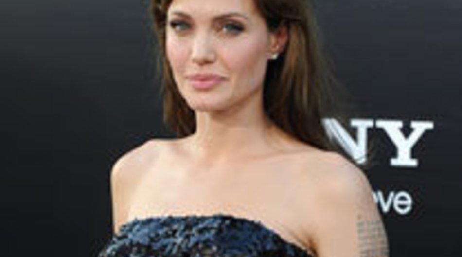 Angelina Jolie: Drogen, Rebellion und Peitschenhiebe?