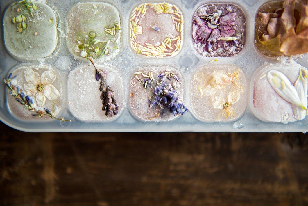 Kamillentee-Eiswürfel gegen Pickel und Rötungen