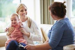Baby, 6 Monate: Bald beginnt es zu reden.
