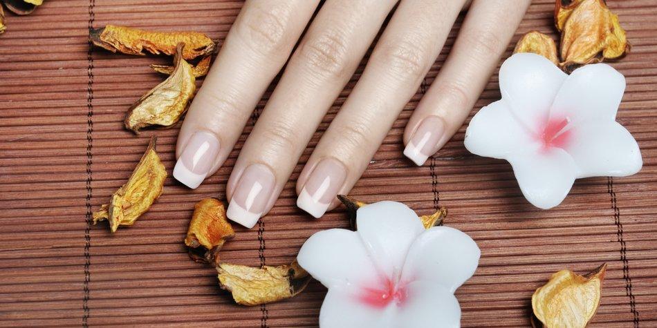 Kunstliche Fingernagel Acryl Oder Gel Desired De