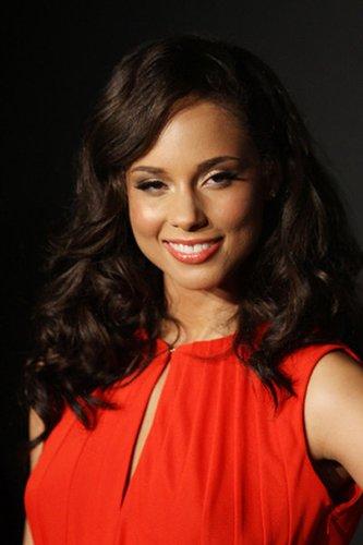 Locken mit Mittelscheitel bei Alicia Keys
