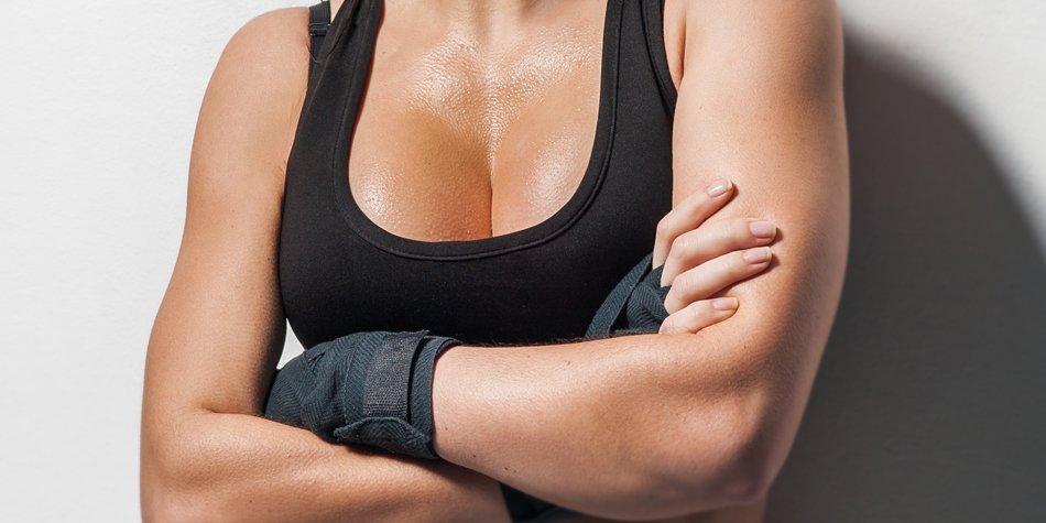schwitzende Brüste