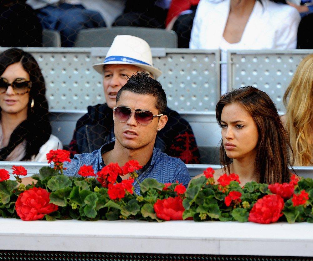Cristiano Ronaldo turtelt am Strand