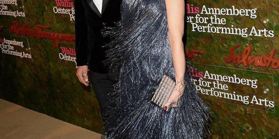 Gwen Stefani funkelt mit ihrem Kleid um die Wette