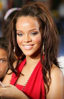 Rihanna: Fransiger Stufenschnitt