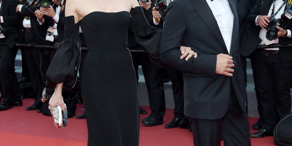 """Für ihre Rolle in Fatih Akins """"Aus dem Nichts"""" wurde Diane Kruger mit einer Goldenen Palme ausgezeichnet. Preisverdächtig war auch ihr maßgeschneidertes, schwarzes Kleid von Jonathan Simkhai mit gesmokten Ärmeln, das sie mit stilvollen Chopard Ohrringen akzentuierte.  Foto: Getty Images/Pascal Le Segretain"""