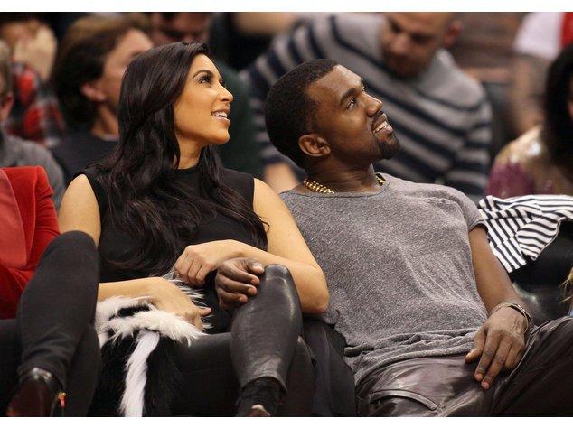 Kim Kardashian bekommt einen Flug im Privatjet von Kanye.