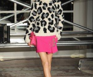 Moschino zeigt Mode mit einem Augenzwinkern