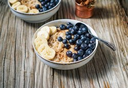 Frühstück ohne Brot Hirse-Porridge