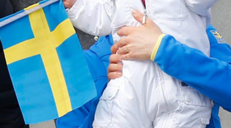 Prinzessin Estelle mit Mama Victoria und Papa Daniel bei der nordischen Ski-WM in Tesero.