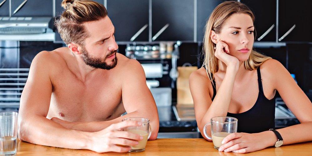Du bist noch mit deinem Ex befreundet? 10 Männer verraten, wie sie mit dieser Situation umgehen und wie der Kontakt mit ihm eure Beziehung beeinflusst.