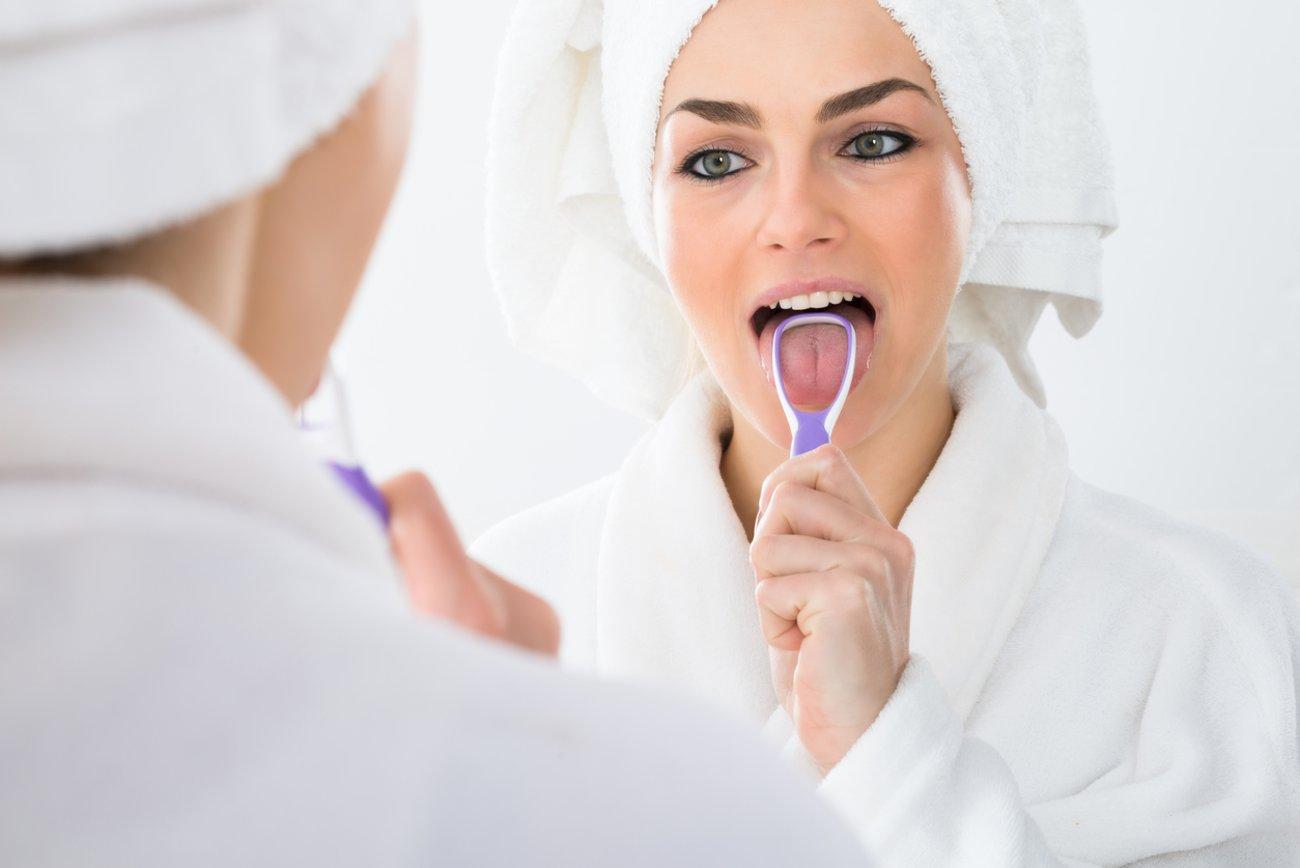 Pickel auf der Zunge Zunge reinigen