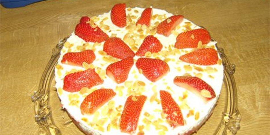 Erdbeer Torte mit Buttermilch