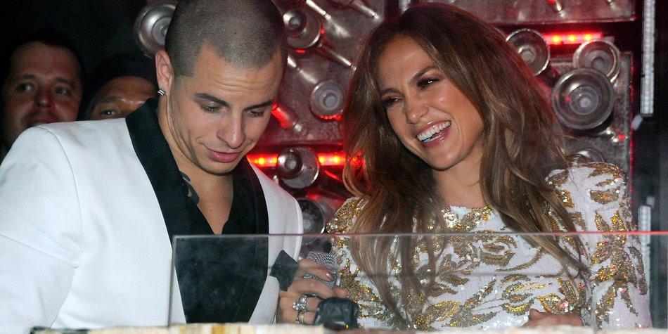 Jennifer Lopez lacht über Gerüchte