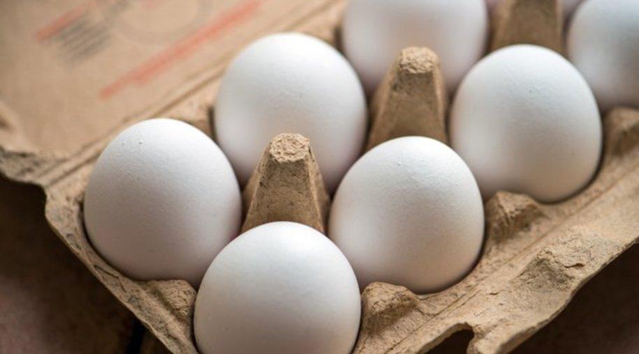 Eier werden am besten mit dem spitzeren Ende nach unten im Kühlschrank aufbewahrt.