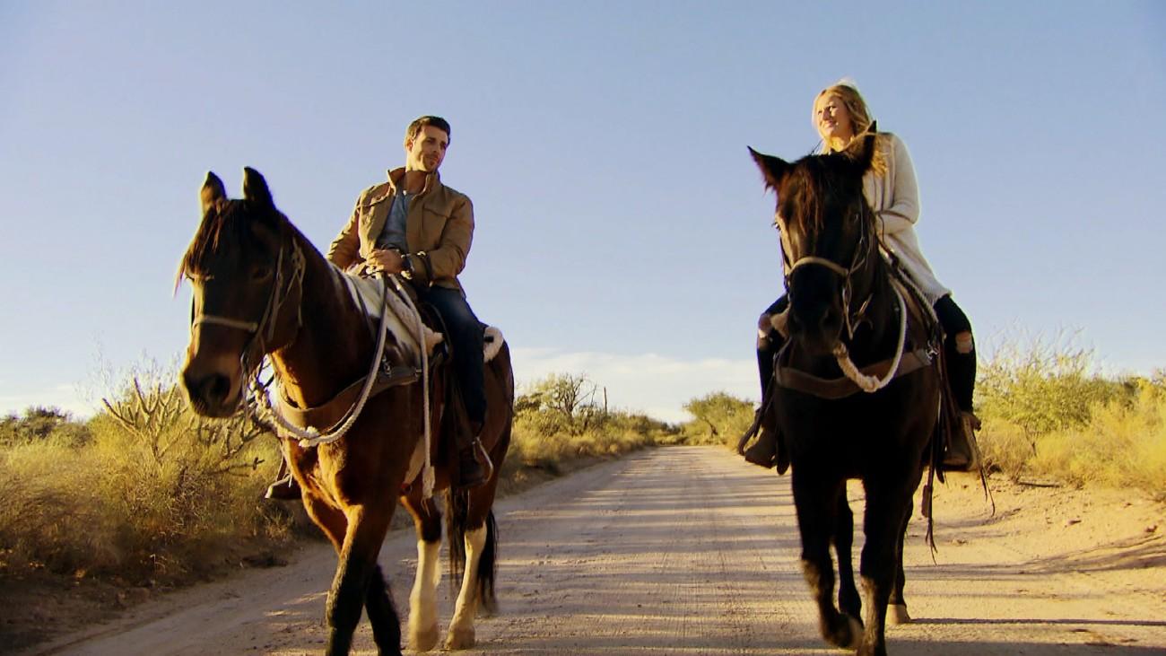 Leonard und Leonie Rosella verbringen einen traumhaften Tag zusammen in Arizona. Verwendung der Bilder für Online-Medien ausschließlich mit folgender Verlinkung:'Alle Infos zu 'Der Bachelor' im Special bei RTL.de: http://www.rtl.de/cms/sendungen/der-bachelor.html