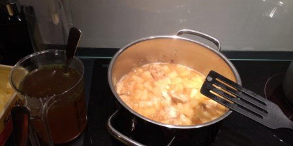 Geschnetzeltes mit Hühnchen und Ananas